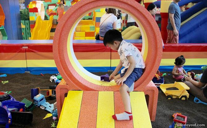 Happy Castle, Seletar Mall