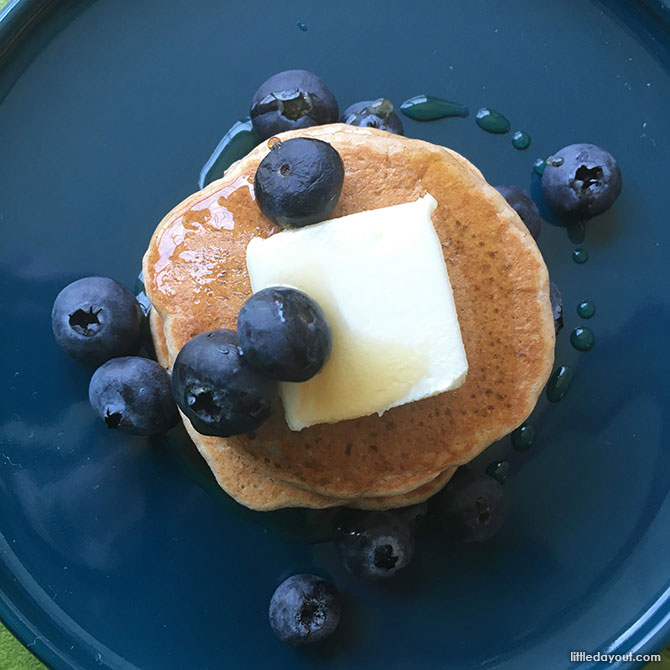 Easy DIY Pancakes Topdown