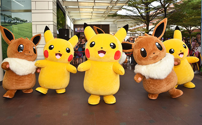 AMK Hub, Jurong Point and Thomson Plaza Are Having A Pokémon-themed Christmas With Dancing Pikachu & Eevee (For The First Time In Singapore!), Pikachu Meet-and-Greets, Plushies And More This Year-end