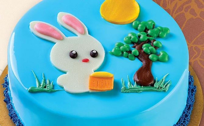 PrimaDéli Has A Limited Edition Moon Rabbit Cake For Mid-Autumn Festival 2021