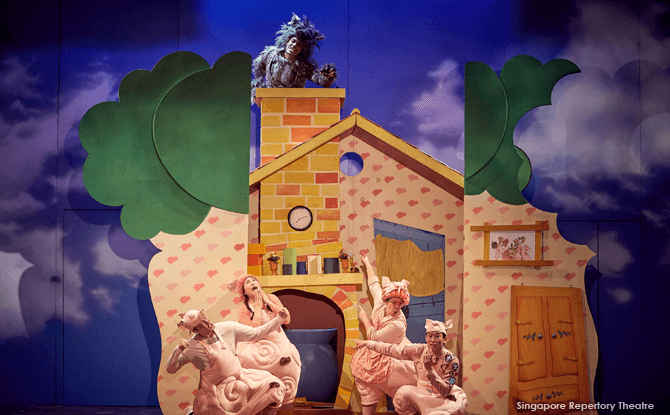 Three Little Pigs on the Singapore Stage - Review
