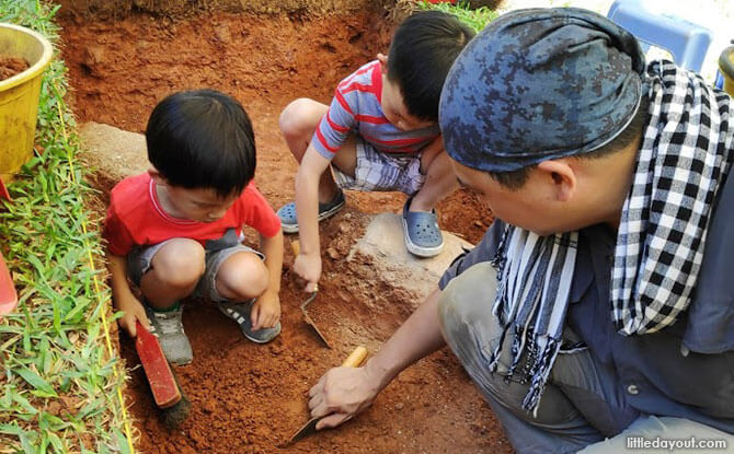 Encounters With An Archaeologist In Singapore