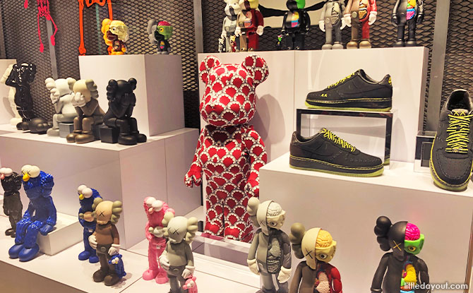 Premium Gallery BLAXK By ActionCity: Exclusive Collectables And Figures On Display And For Purchase