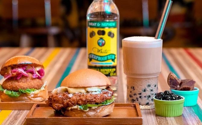 Deliveroo and Three Buns Collaborate For Boozy Bubble Tea For Bubble Tea Day