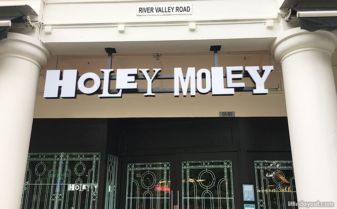 Holey Moley Clarke Quay, Singapore