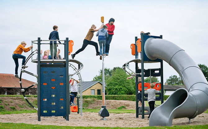 KOMPAN Pole Vault Playground