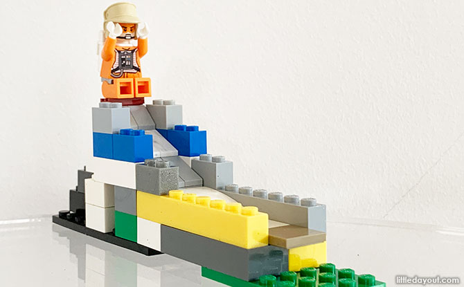 How To Build A LEGO Playground Slide