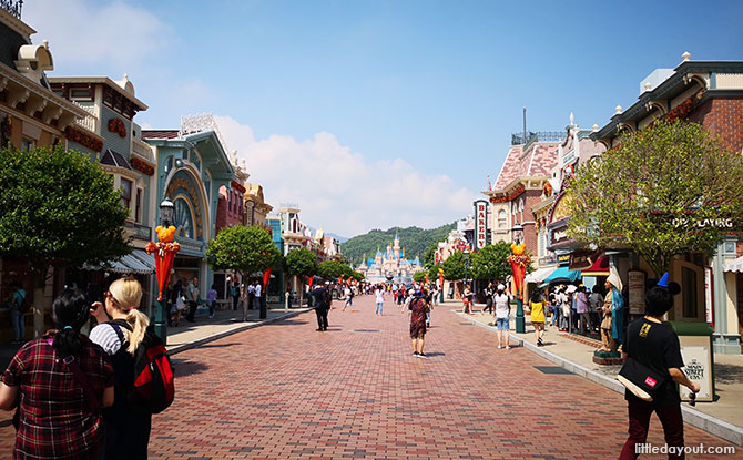 Main Street, Hong Kong Disneyland with Kids