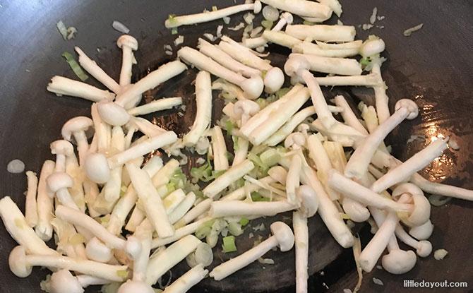 Mushroom Sauce Stir-fry