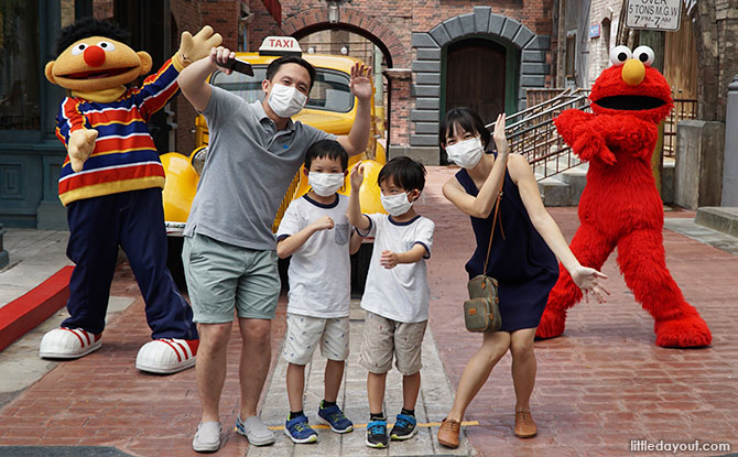 Universal Studios Singapore Operating Hours