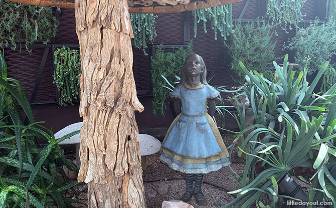 Rediscover Singapore: Alice In Wonderland In Singapore