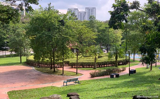 Bishan Harmony Park: Skate Park, Hillside & Maze