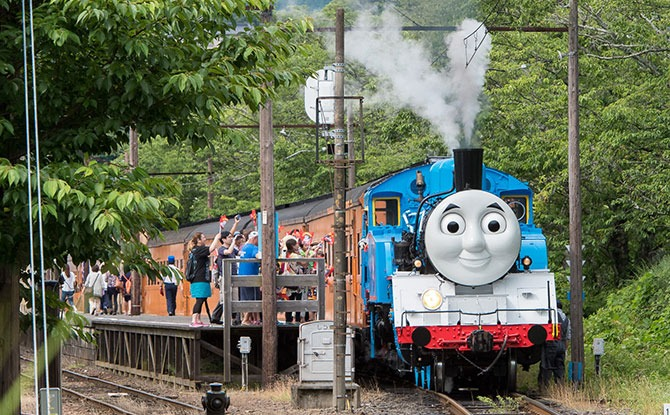 Thomas The Tank Engine Fans In Japan Get To Spend A Day Out With The Little Blue Locomotive