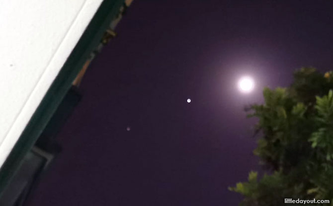 Moon, Jupiter and Saturn in Alignment