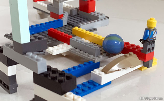 How to Build A LEGO Marble Rollercoaster