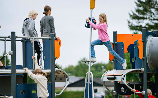 KOMPAN Pole Vault Playground Kids