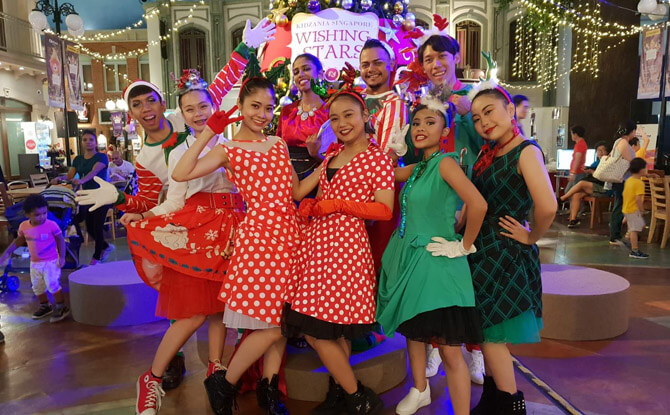 Christmas Performances at KidZania Singapore's Christmas Kandy Land