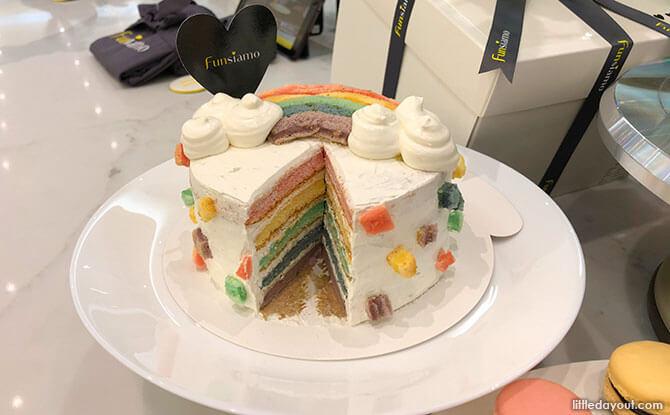 Bake a cake at Funsiamo Singapore