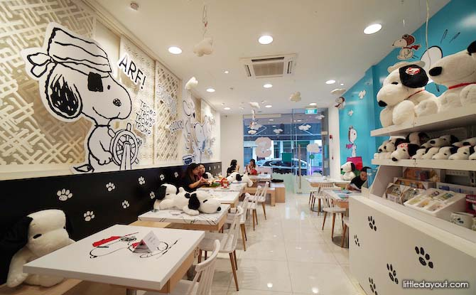 Snoopy Cafe Decor