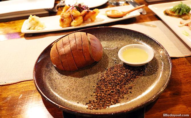 Wattle Seed Damper Loaf