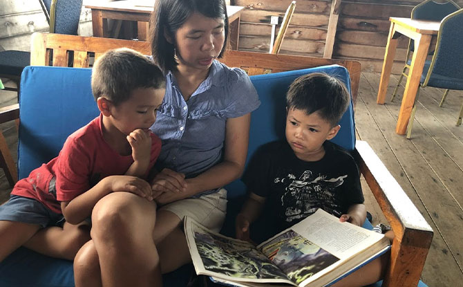 How do we choose a good book for the child