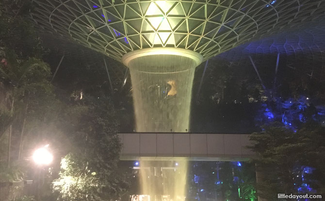 Jewel HSBC Rain Vortex Light and Sound Show