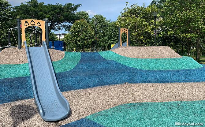 Luxus Hills Park Playground