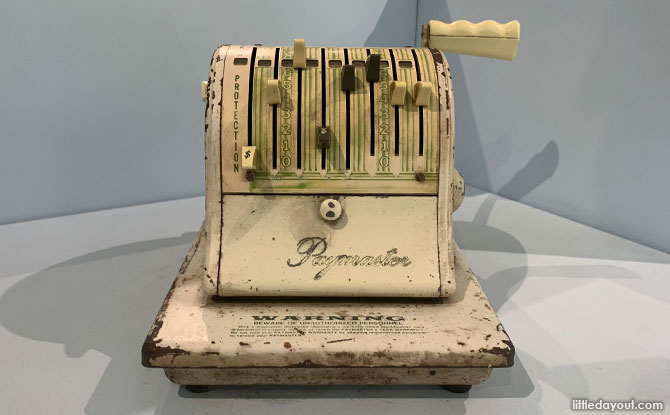 Cheque writer machine