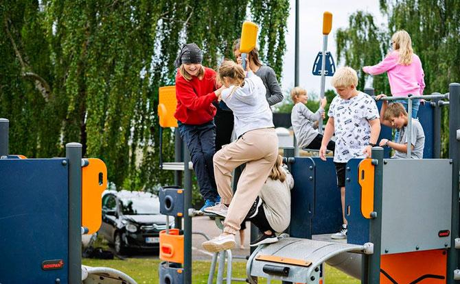 KOMPAN Pole Vault Playground Jumping