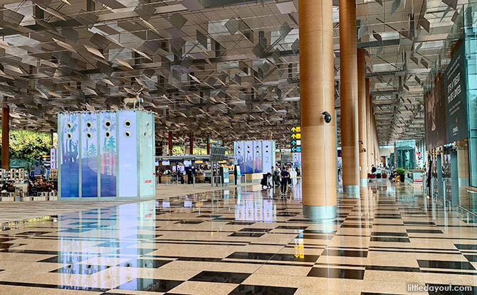 Changi Airport - Getting in 10,000 steps indoors