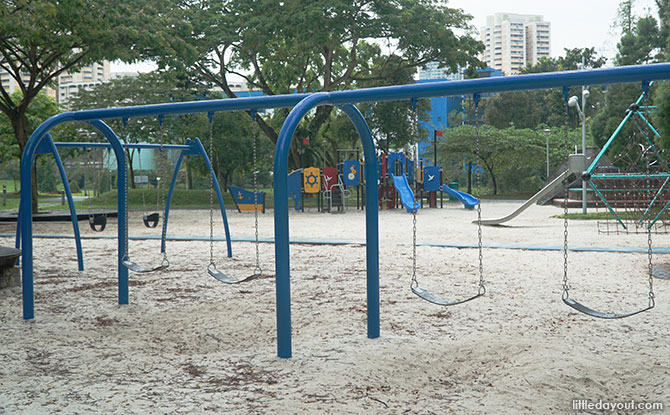Swings at Bishan Ang Mo Kio Park