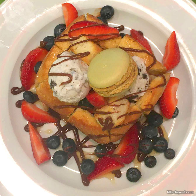 Brick Toast Dessert Topdown