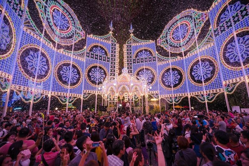 04-Christmas-Wonderland-Blizzard-Time