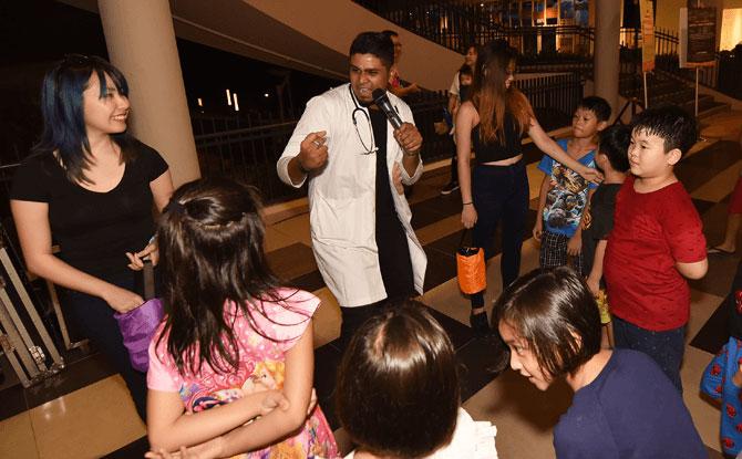 Enjoy a spell-binding magic show during SAFRA Punggol's Halloween event.