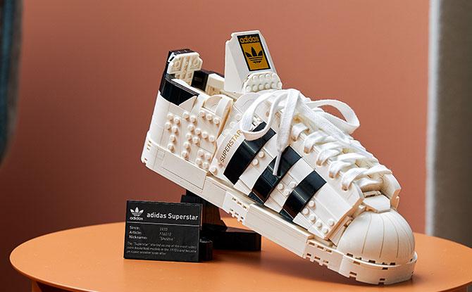 10282_LEGO® adidas Originals Superstar_Lifestyle_13