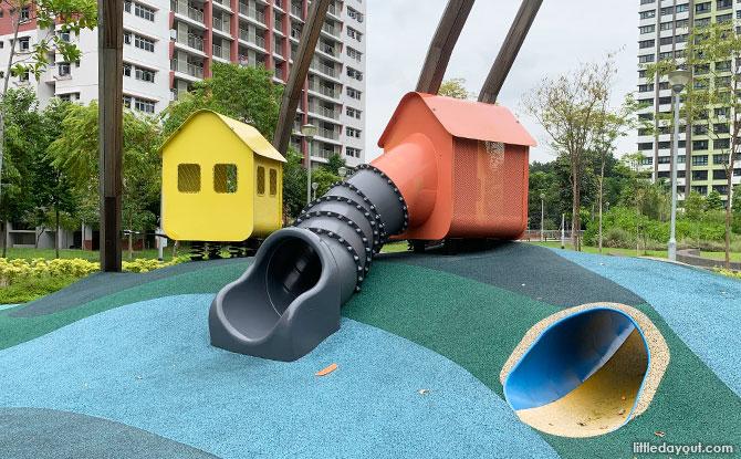 Buangkok Square Park: Village Playground & Animal Walk
