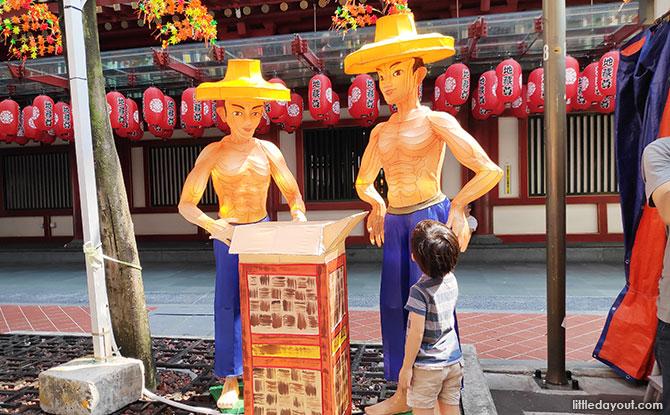 Enjoying Chinatown's Mid-Autumn décor