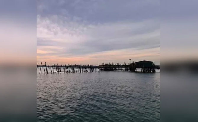 Kelongs, Fish Farming and Pulau Ubin Adventure
