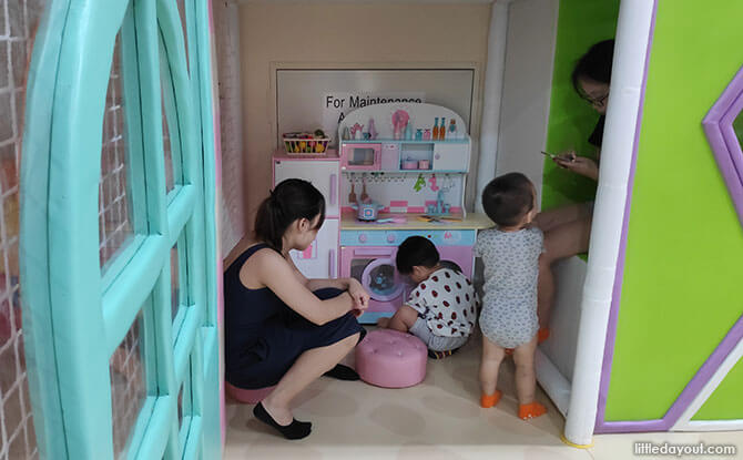 Play Pretend Stations at Smigy Indoor Playground