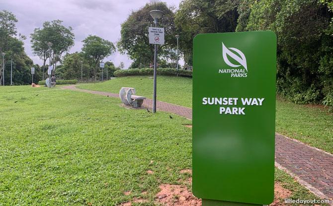 Sunset Way Park: Small & Quiet Neighbourhood Park