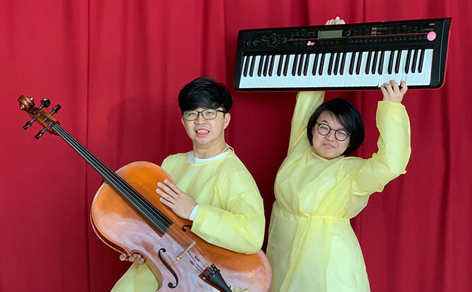 Musicians Vick Low (on cello) and Ang Zhi Hui (on keyboards) will be providing 'live' music during the show.