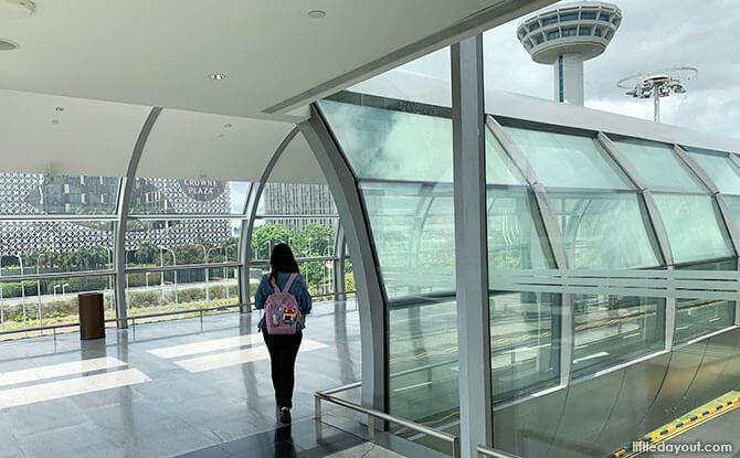 Using the Link Bridges at Changi Airport