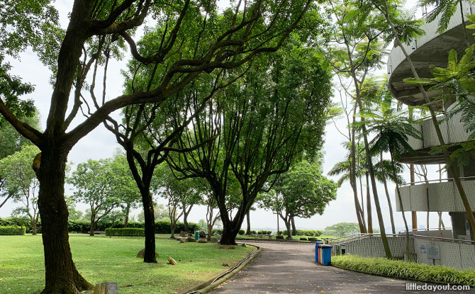 Jurong Hill Park: Lookout Point With A Garden Of Fame