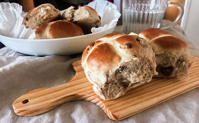 hot cross buns where to buy