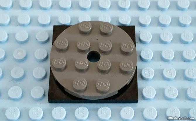 LEGO axle for playground merry go round