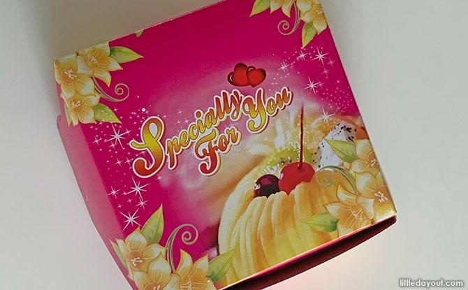 Traditional cake box