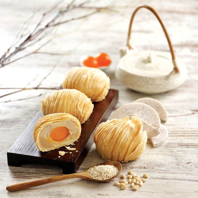 Traditional Teochew Yam Pastry Mooncake