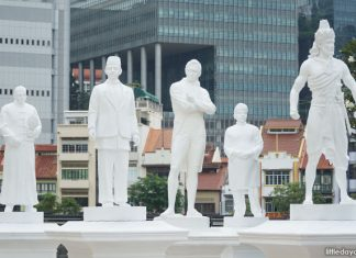 The Arrivals - New Statues Unveiled Next To Raffles Along The Singapore River