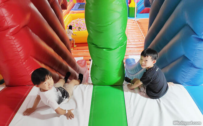 6-metre long slide at Pandan Gardens Bouncy Paradise Playground
