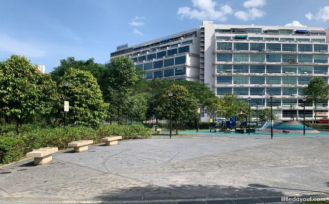 Luxus Hills Park Plaza